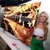 VIDEO: Novou OLED televizi od LG si můžete sami ohnout! (CES)