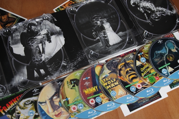 Universal Classic Monsters Collection (cover art pod disky)
